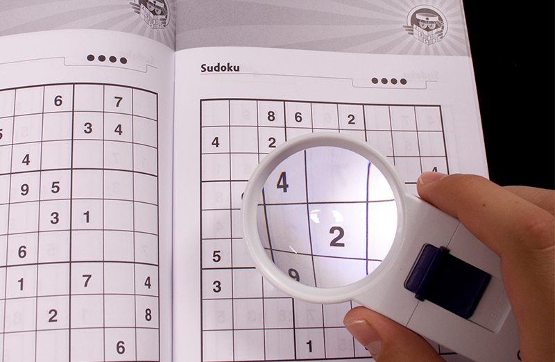 https://nl.optelec.com/binaries/content/gallery/optelec-nl/product-fotos/powermag/zakloep/156-powermag-handheld-magnifier_sudoku.jpg